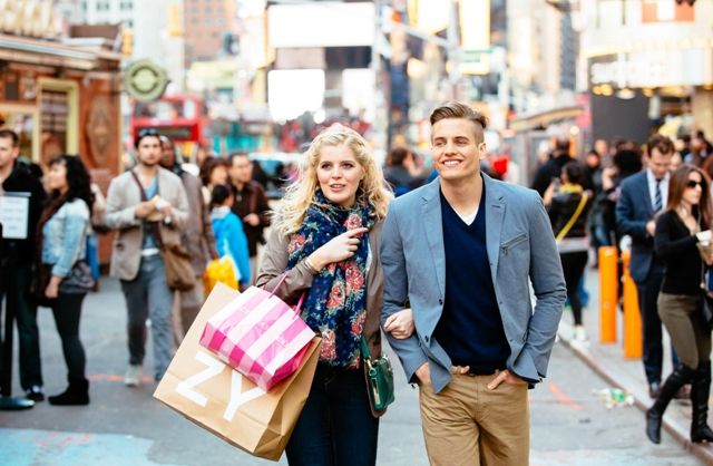 couple shopping Free Date Ideas