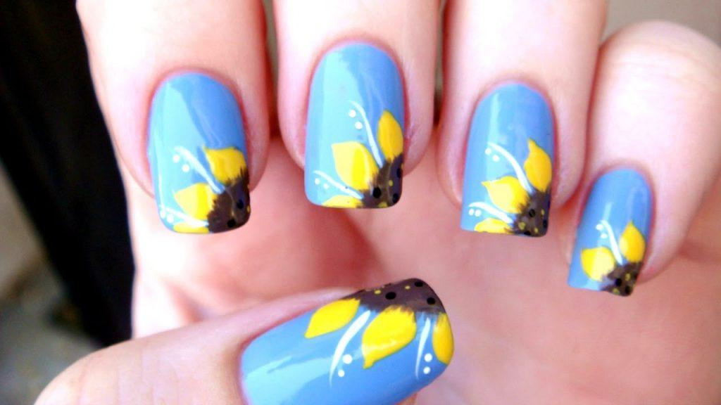 Sunflower nail art: