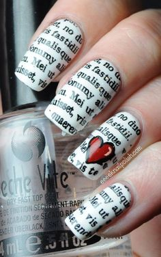 Newspaper nail art: