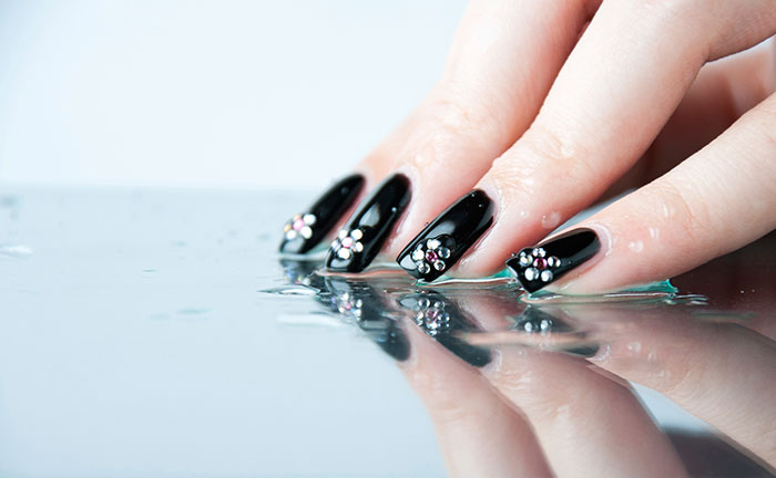 Water drop nail art: