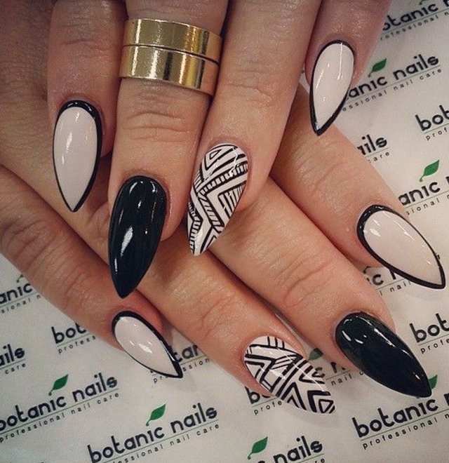 Pointed nail art