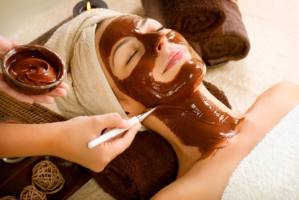 DIY Antioxidant Chocolate Mask Create your own Luxury Spa Treatment!
