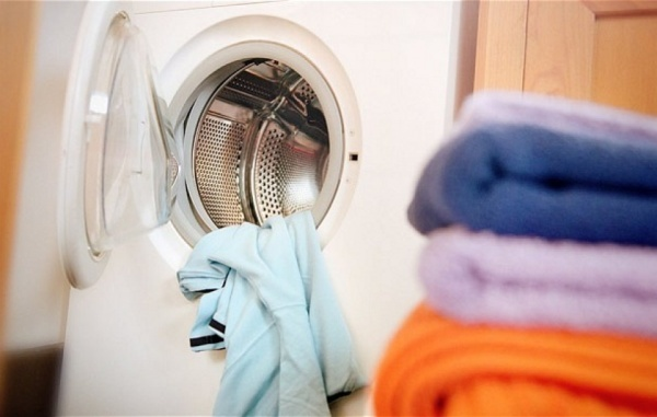 How to Keep Your Clothes New for Longer